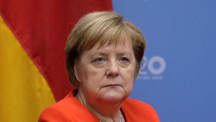 Меркель освистали в прямом эфире ➤ Главное.net