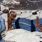 В Сети появилось жуткое видео со спящими астронавтами США ➤ Главное.net