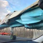 Американцы удивились способу транспортировки истребителя в России ➤ Главное.net