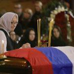 Названа причина закрытого гроба на похоронах Юрия Лужкова ➤ Главное.net