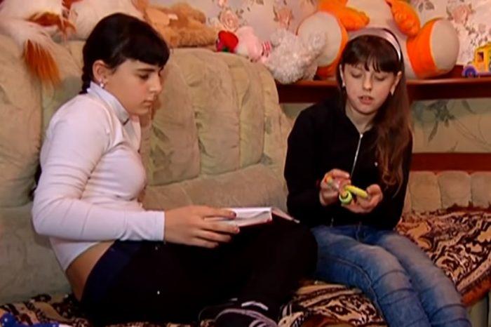 Как сложилась судьба девочек, которых перепутали в роддоме Копейска ➤ Главное.net