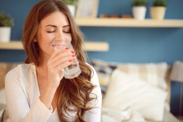 Большая ошибка: доктор аюрведы рассказал про 2 литра воды в день ➤ Главное.net
