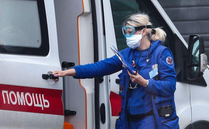 В Индии более 350 человек попали в больницу из-за неизвестной болезнивћ¤ Главное.net