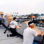 Азиаты засели на крышах с оружием для защиты от бунтующих мародеров в США ➤ Главное.net