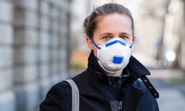 Россиянам придется носить маски и осенью ➤ Главное.net