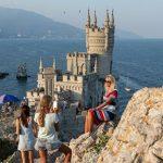 «В обнимку с толчком»: ошибки отдыхающих в Крыму ➤ Главное.net