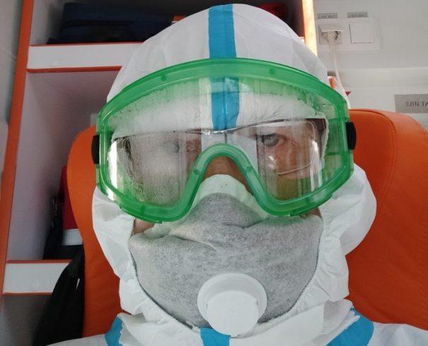 Фельдшер показал свое фото после смены в 40-градусную жару ➤ Главное.net
