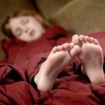 Почему нельзя спать ногами к двери ➤ Главное.net
