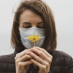 Основной симптом: почему исчезает нюх при коронавирусе ➤ Главное.net