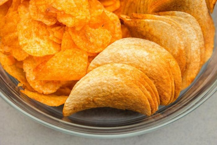 Диетолог рассказал, почему фрукты вреднее чипсов ➤ Главное.net