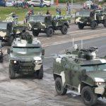 Горячая точка: военная техника едет в центр Минска ➤ Главное.net