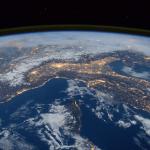 Космонавт с МКС снял загадочные объекты ➤ Главное.net