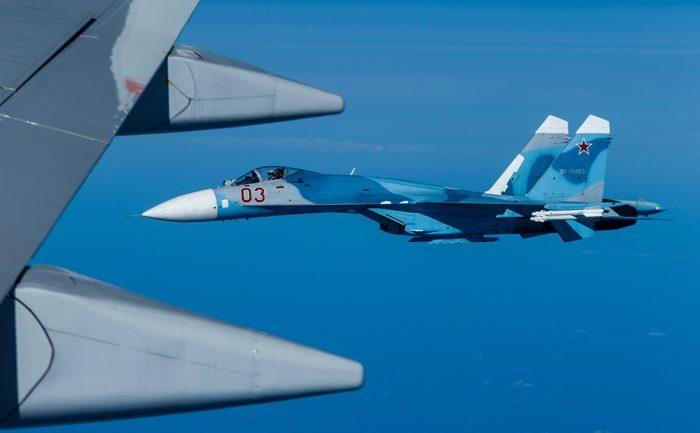 Су-27 перехватил американских разведчиков на российской границе ➤ Главное.net