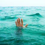 10-летний мальчик выжил в открытом море благодаря совету из фильма ➤ Главное.net