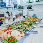 Откровения официантки из Анапы: кому достаются остатки еды в отелях ➤ Главное.net