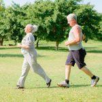 Сколько надо ходить в день пешком для здоровья после 50 лет ➤ Главное.net