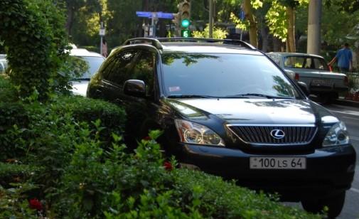 В России задерживают авто с армянскими номерами ➤ Главное.net