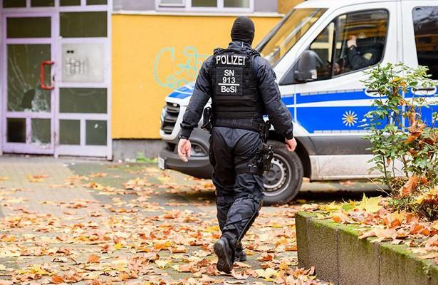 Вооруженный мужчина напал на людей в Германии, есть пострадавшие ➤ Главное.net