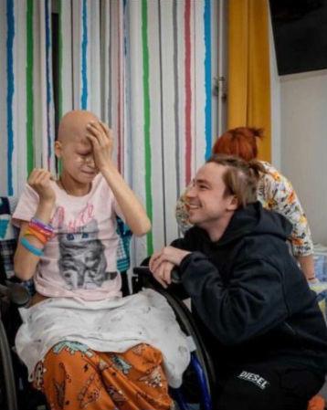 Актер Петров исполнил последнюю мечту умирающей от рака девочки 3