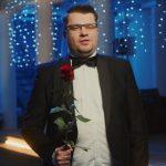 Гарик Харламов сделал «предложение» известной певице ➤ Главное.net