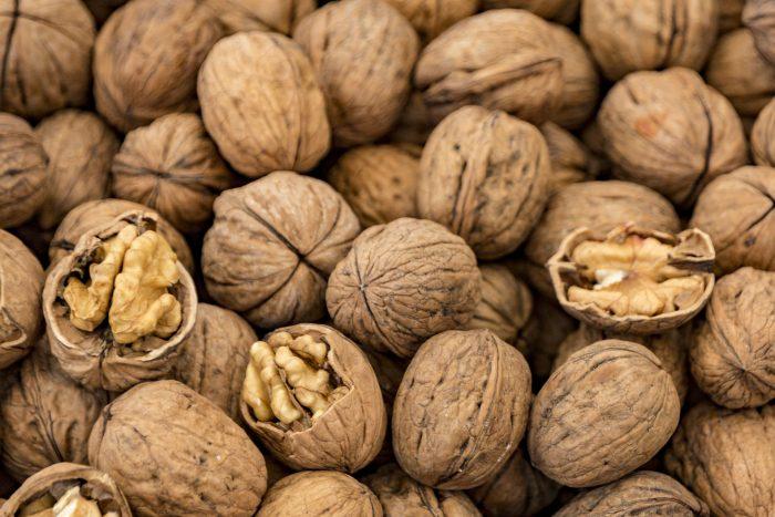 Грецкие орехи: 3 причины, по которым их надо есть каждый день ➤ Главное.net