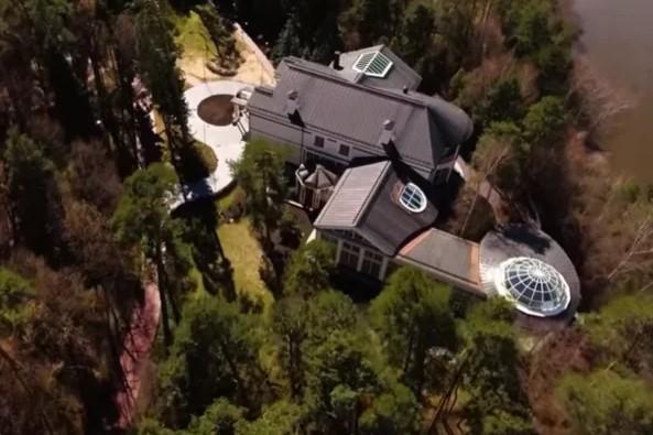 Как выглядит дом за ₽5 млрд богатейшего человека РФ Алишера Усманова 3