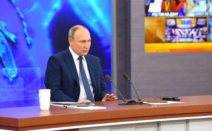 «Не нужно передергивать»: Песков про слова Путина о слежке за Навальным ➤ Главное.net