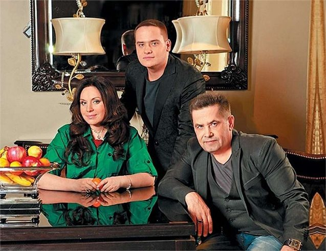 Как выглядит вторая жена Николая Расторгуева, с которой он счастлив 30 лет 3