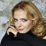 «Очень страшно»: актриса, сыгравшая Началову, боится могилы певицы ➤ Главное.net