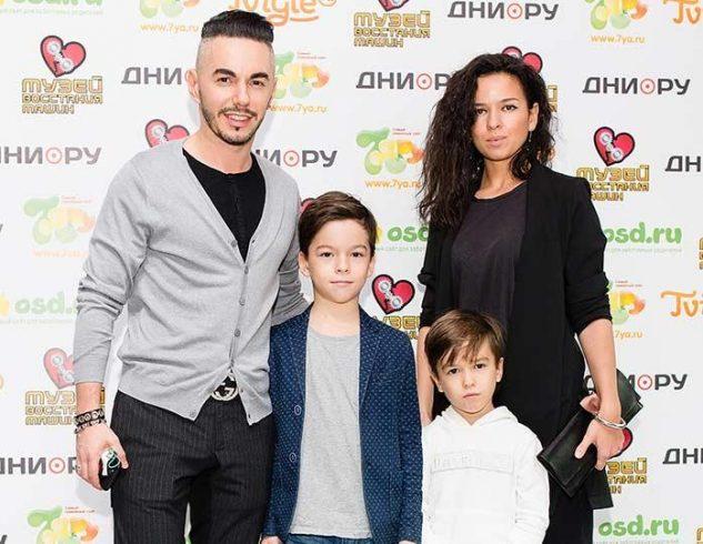 Как выглядит красавица жена и двое сыновей Тимура Родригеза 3