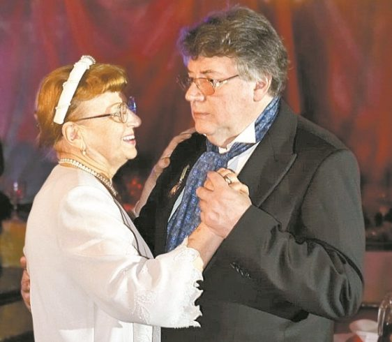 На вопрос Ширвиндта, в чем секрет его 63-летнего брака, художник дал умный ответ 4