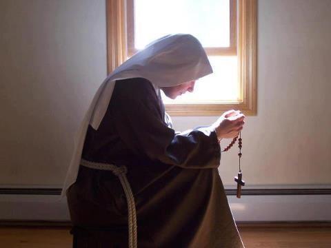 Прожившая 12 лет в монастыре женщина рассказала, что происходит за закрытыми дверьми ➤ Главное.net