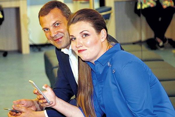 Скабеева и Попов признались, что не помнят дату свадьбы ➤ Главное.net
